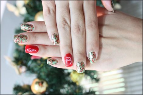 Unhas de natal! by Lelê Breveglieri (CC BY 2.0)